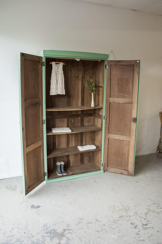 Frisgroene vintage kledingkast - Firma Zoethout_6.jpg