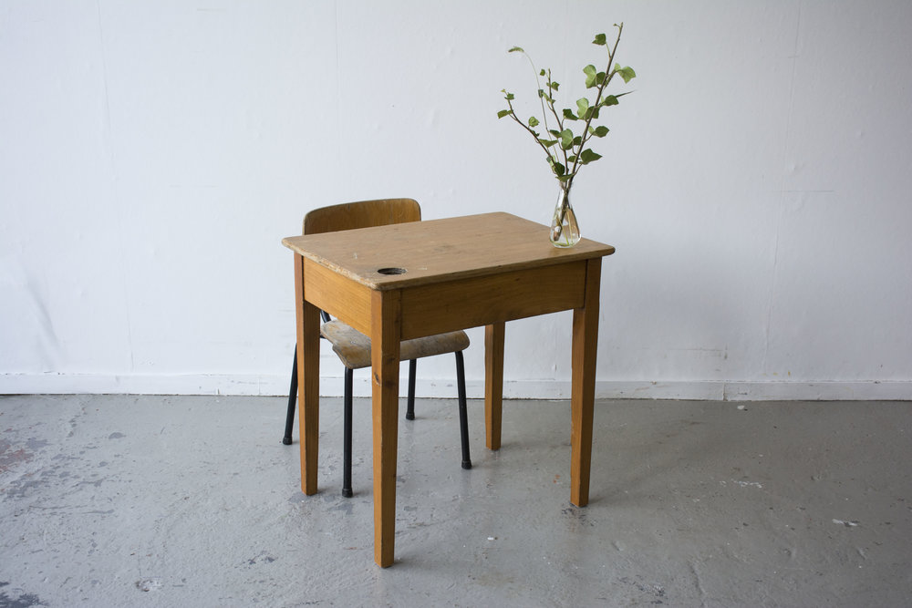 Houten vintage kleutertafeltje met stoeltje - Firma Zoethout_3.jpg