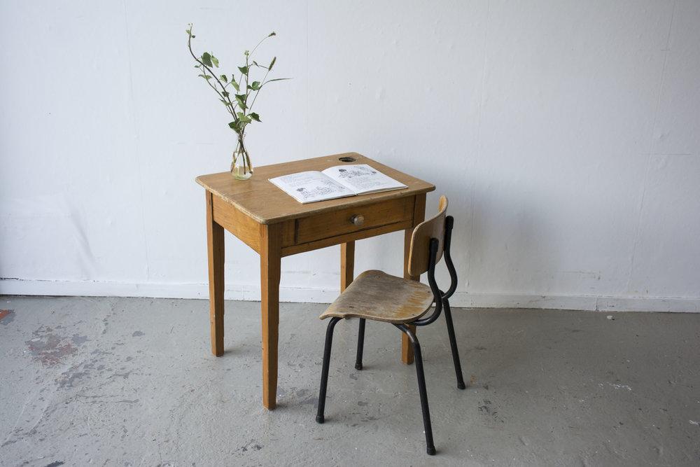 Houten vintage kleutertafeltje met stoeltje - Firma Zoethout_1.jpg