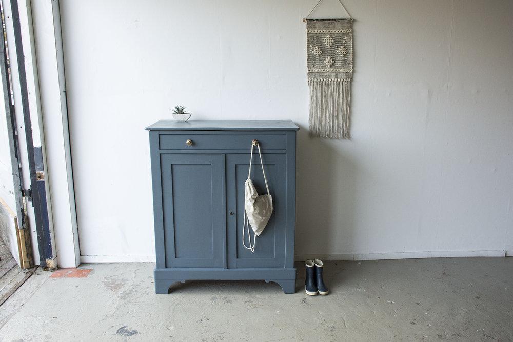 Jeansblauwe kleine kastje - Firma Zoethout.jpg