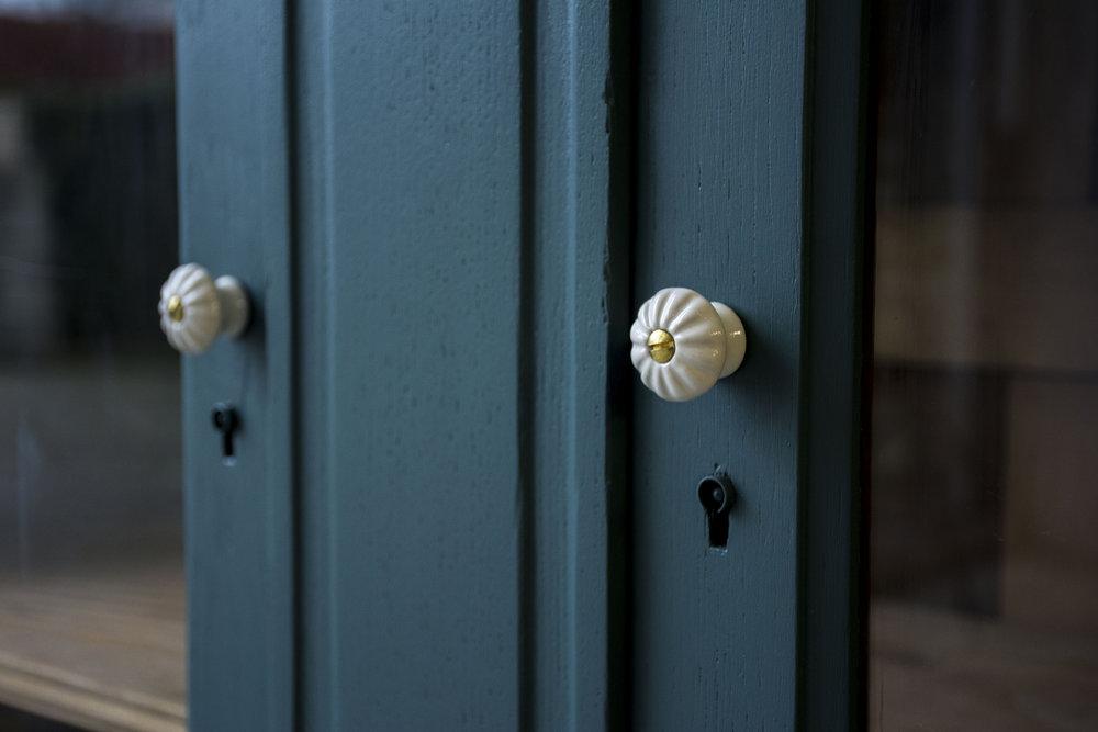 Donker zeegroen dressoir- Firma Zoethout_1.jpg