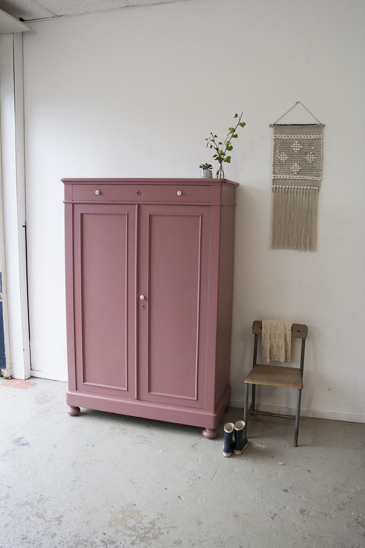 Stunning vintage roze meidenkast with meidenkast tweedehands for Meidenkast tweedehands