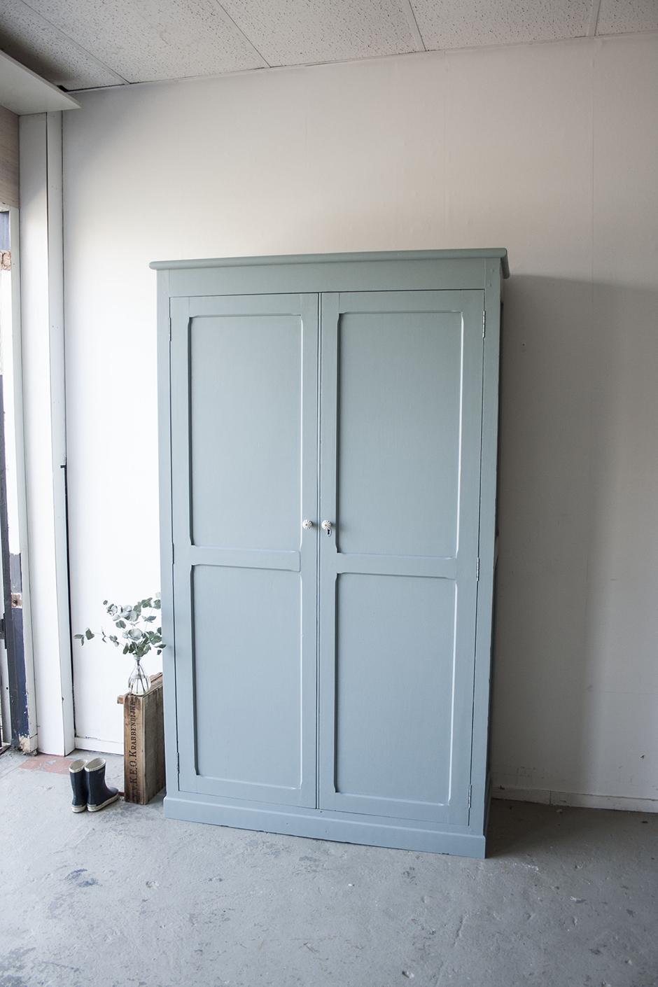 grijsblauwe grote kledingkast !- Firma zoethout_2.jpg