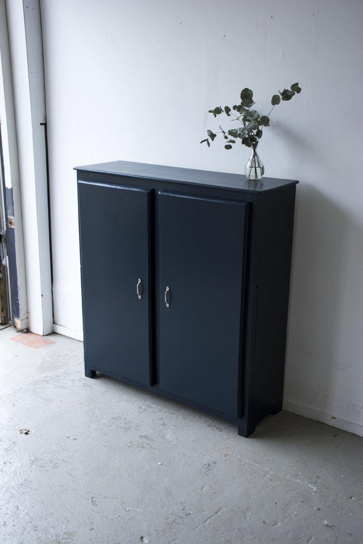Nachtblauw kastje twee deuren - Firma zoethout_5.jpg