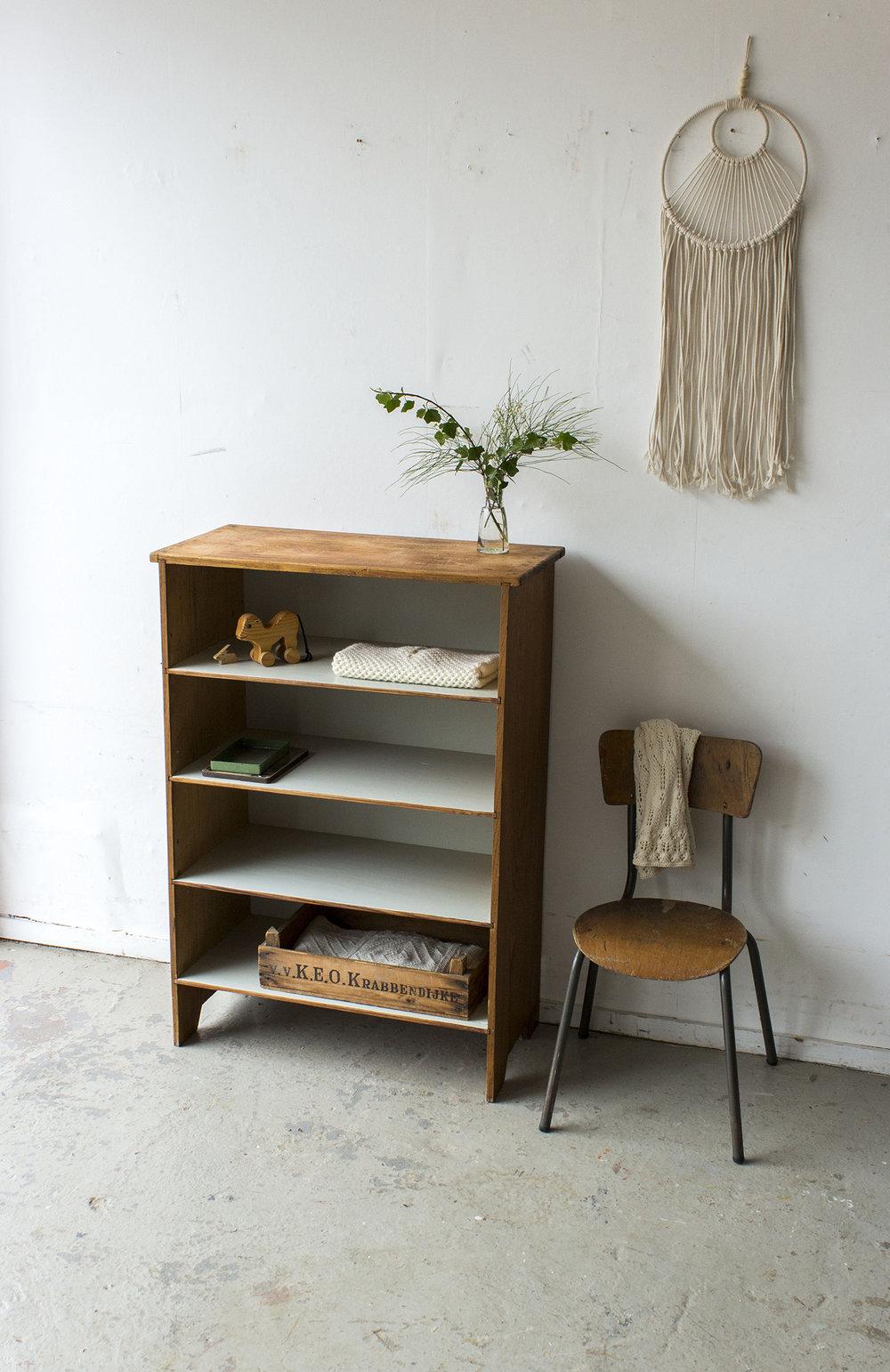 Vintage open boekenkastje -  Firma zoethout.jpg