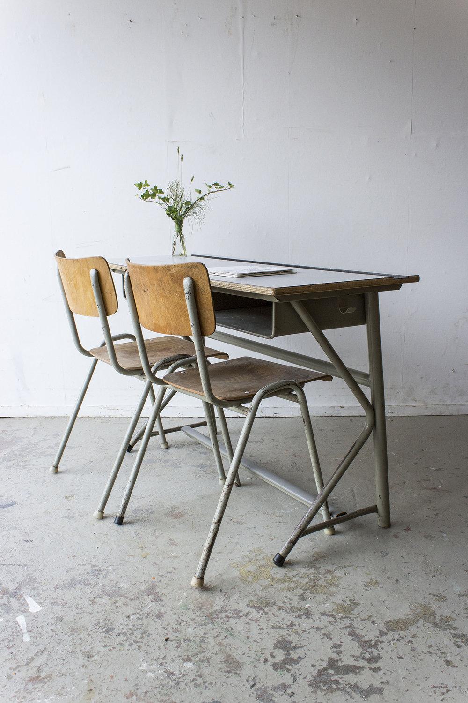 Vintage schooltafel met formica blad -  Firma zoethout_1.jpg