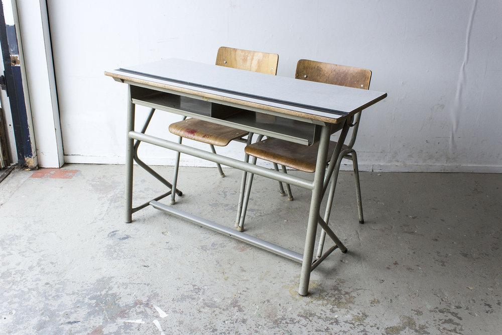 Vintage schooltafel met formica blad -  Firma zoethout_4.jpg