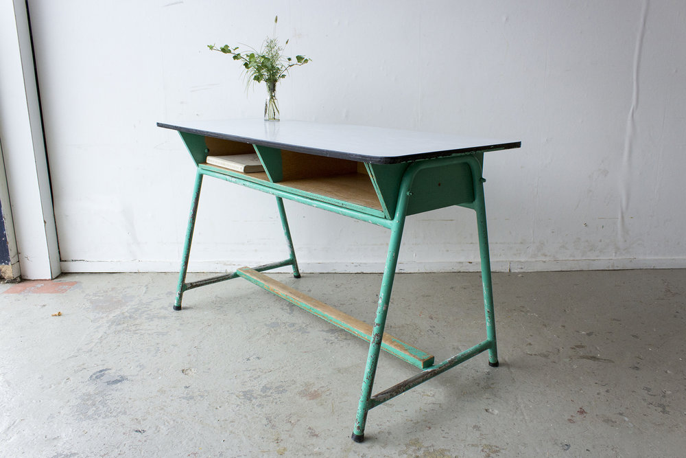 Groene vintage schooltafel -  Firma zoethout_1.jpg