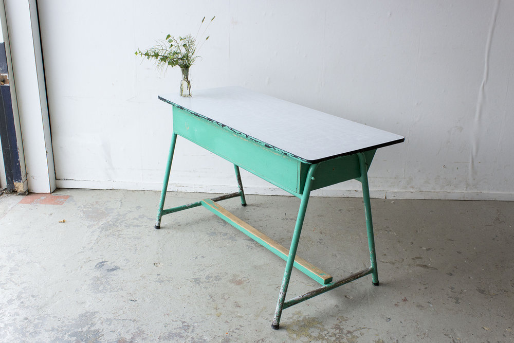 Groene vintage schooltafel -  Firma zoethout_3.jpg