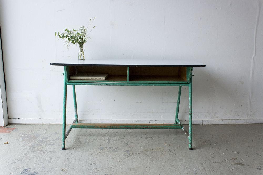 Groene vintage schooltafel -  Firma zoethout_4.jpg