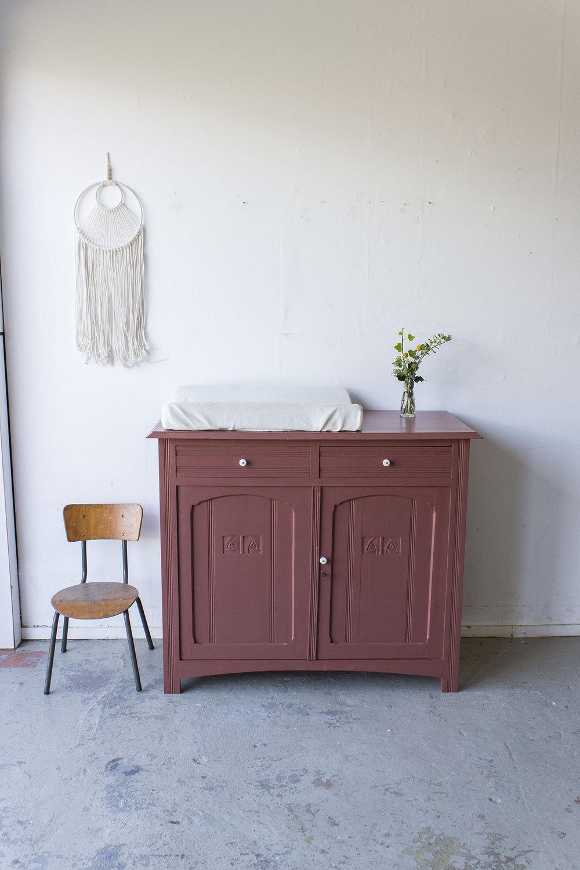 Karmozijn vintage commode -  Firma zoethout.jpg