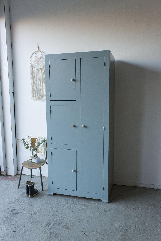 Kust blauwe vintage kledingkast -  Firma zoethout_1.jpg