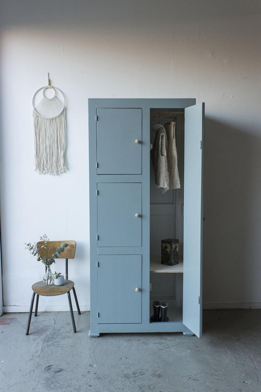 Kust blauwe vintage kledingkast -  Firma zoethout_2.jpg
