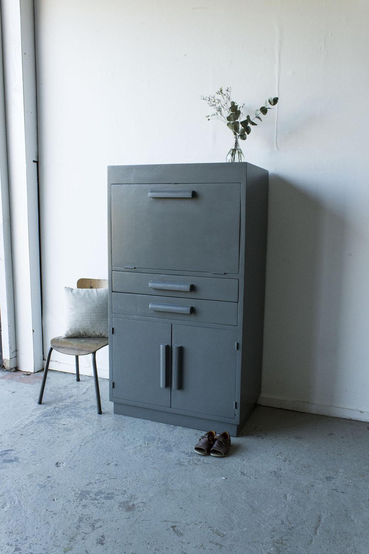 1444 - Antraciet kleurig vintage kastjec-  Firma zoethout_1.jpg