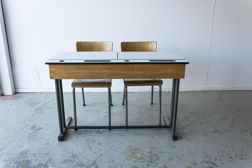 3163 - vintgate schooltafel met kleppen - Firma zoethout_4.jpg