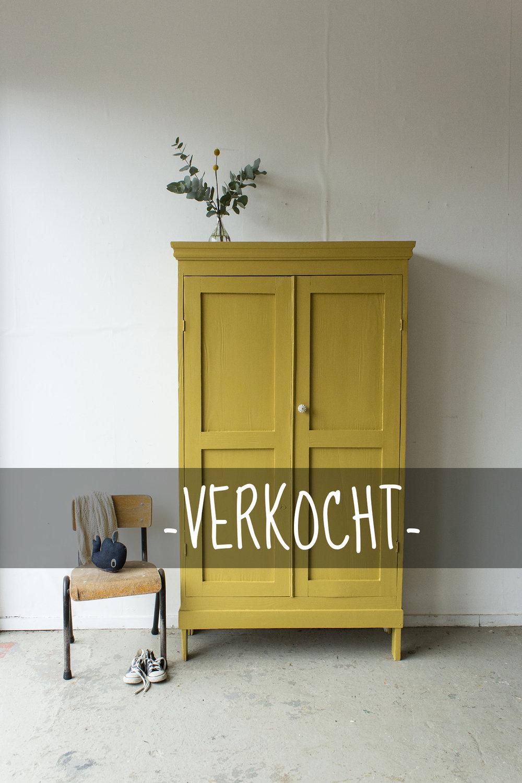 1446 - okergeel klein kledingkastje - Firma zoethout_3VERKOCHT.jpg