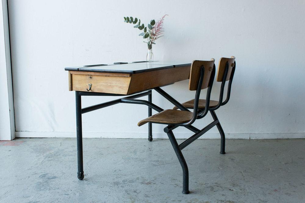 3165---vintage-schoolbank-met-formica-blad---Firma-zoethout_2.jpg