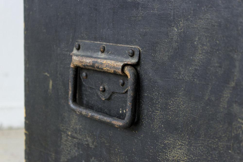 5040 - -Zwarte vintage speelgoedkist - Firma zoethout_5.jpg