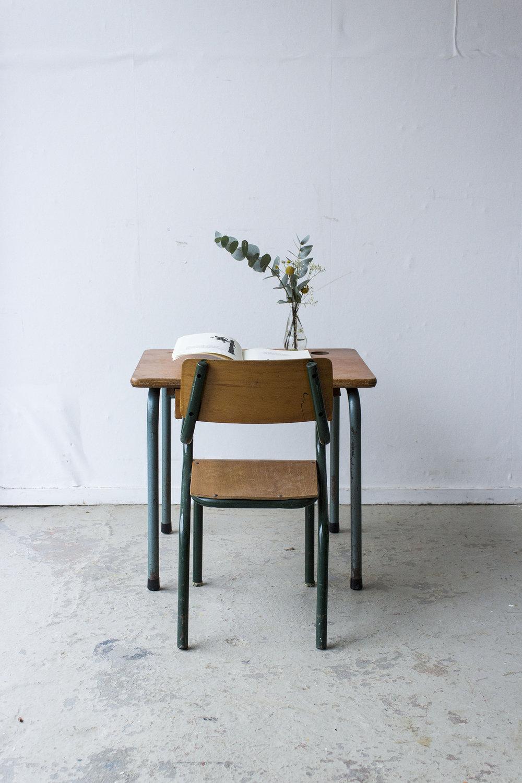 3166 - vintage kleutertafeltje met stoeltje - Firma zoethout_1.jpg