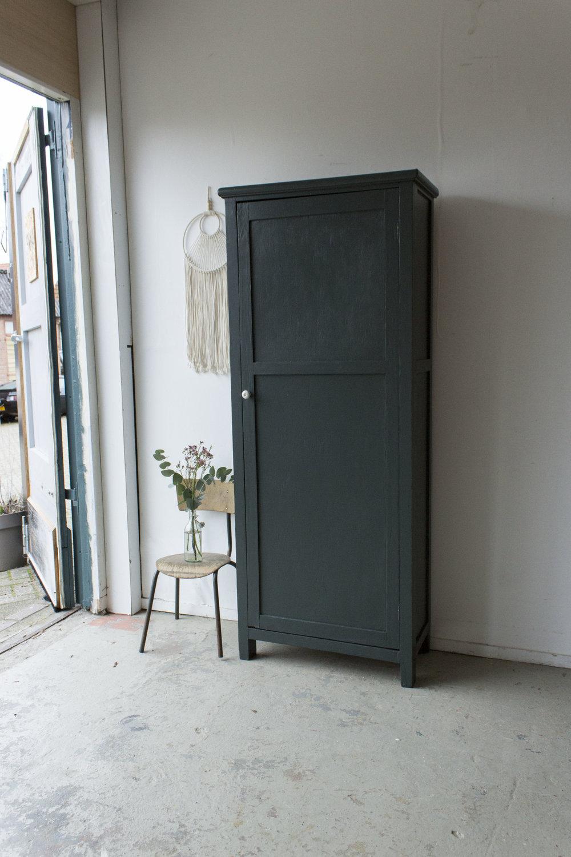 1457 - woudgroene vintage kledingkast - Firma zoethout_1.jpg