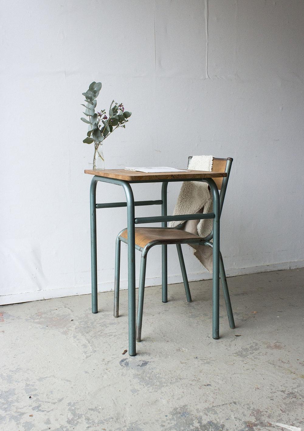 3176 - 1p vintage schooltafel met groen frame - Firma zoethout_1.jpg