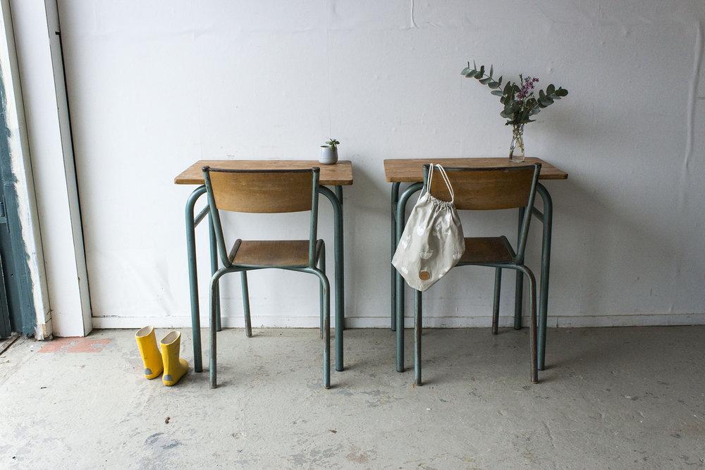3176 - 1p vintage schooltafel met groen frame - Firma zoethout_5.jpg