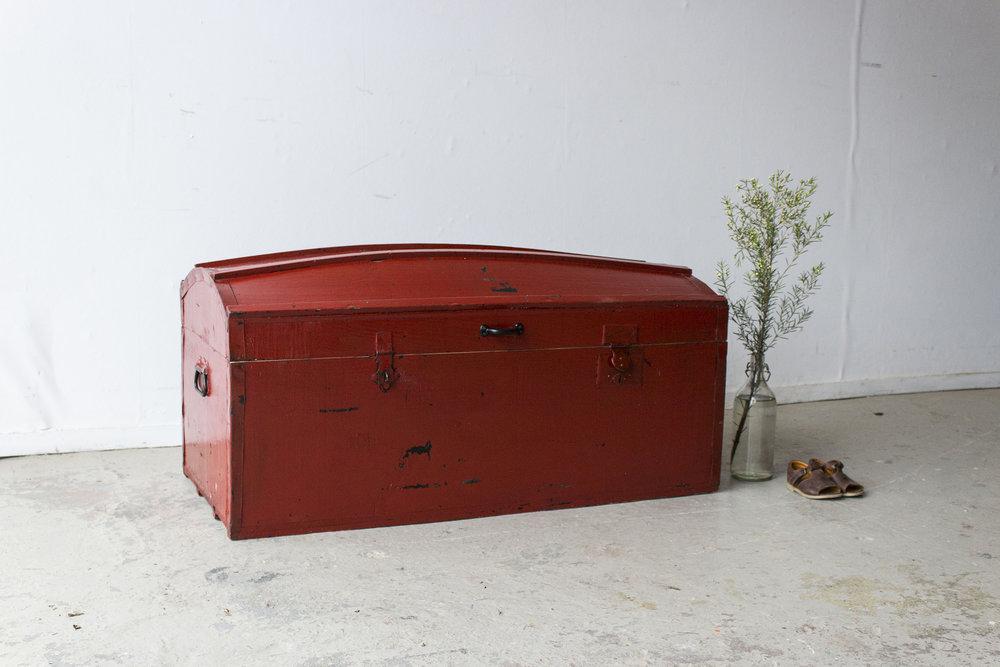 5045 - Rode vintage kist met bolle deksel - Firma zoethout_2.jpg