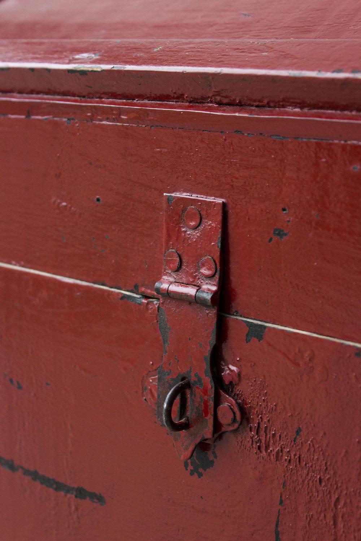 5045 - Rode vintage kist met bolle deksel - Firma zoethout_4.jpg