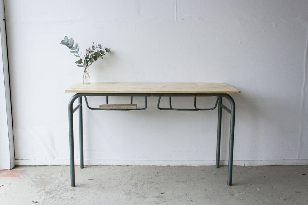 3177 - 2p schooltafel met blank houten blad - Firma zoethout.jpg