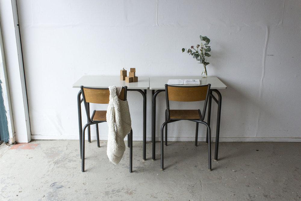 3175 - 2p schooltafel met linnen houten blad - Firma zoethout_4.jpg