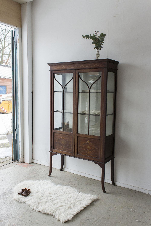 1486 - Vintage vitrinekastje uit Engeland - Firma Zoethout_2.jpg