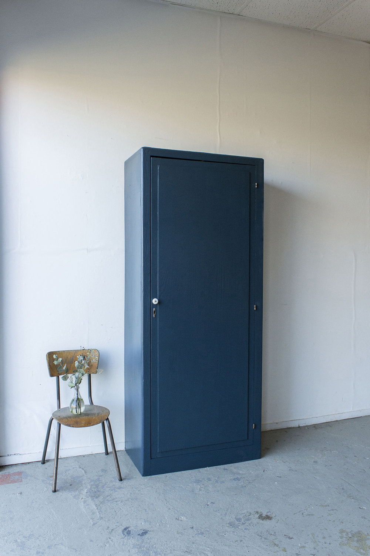 -1420 - donkerblauwe vintage kledingkast - Firma zoethout_5.jpg