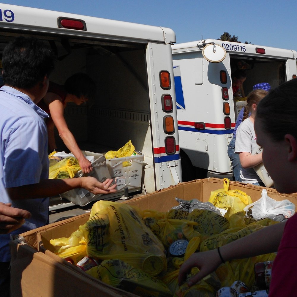 Letter Carriers 2012 Food Drive (15).jpg