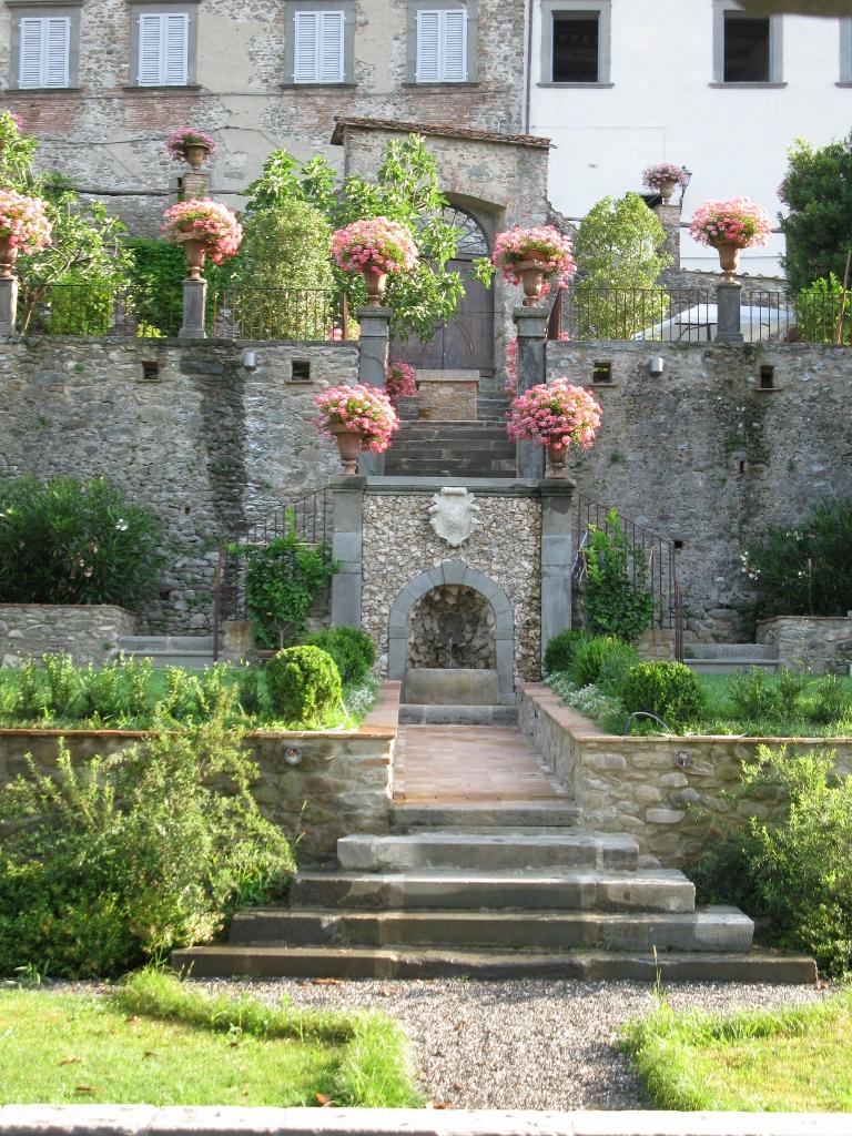 foto giardino nuove 057 (768x1024).jpg