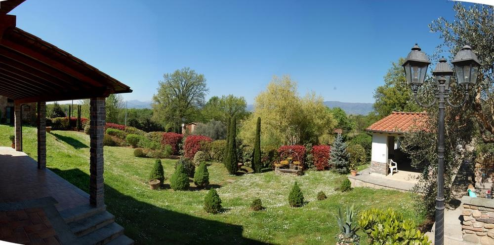 04A-Vista del giardino.jpg