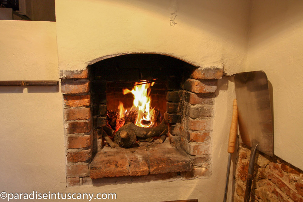 Villa del Cardinale: The medieval wood oven in the kitchen