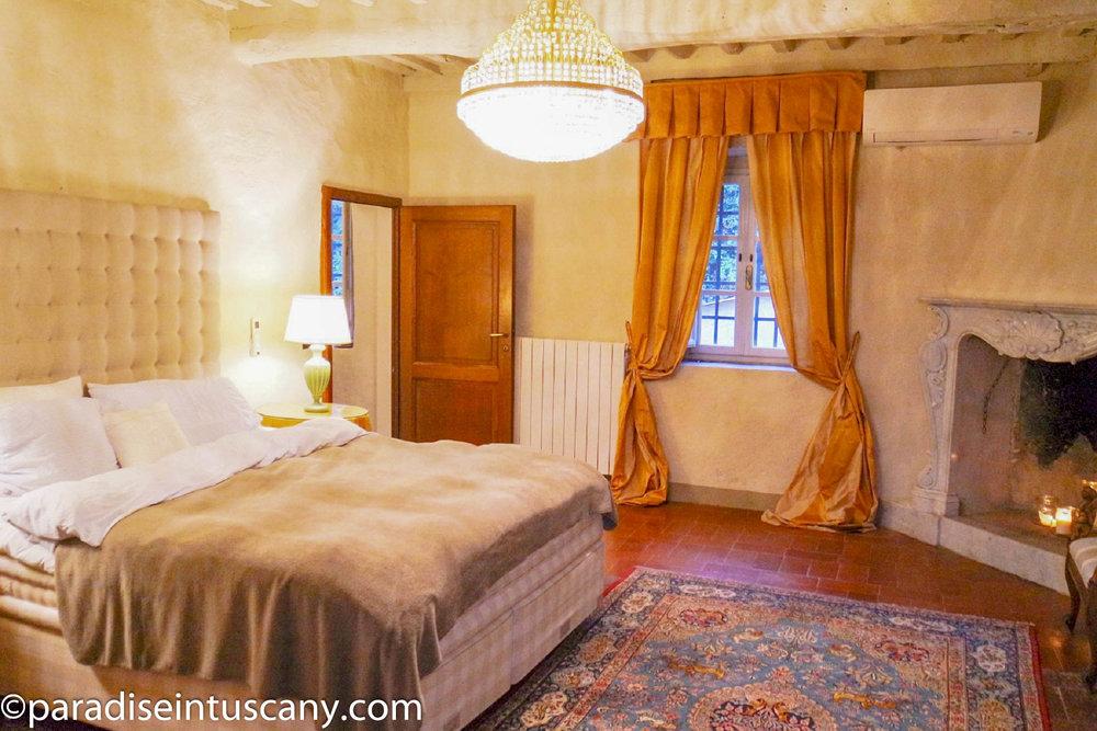 Villa del Cardinale: The master bedroom