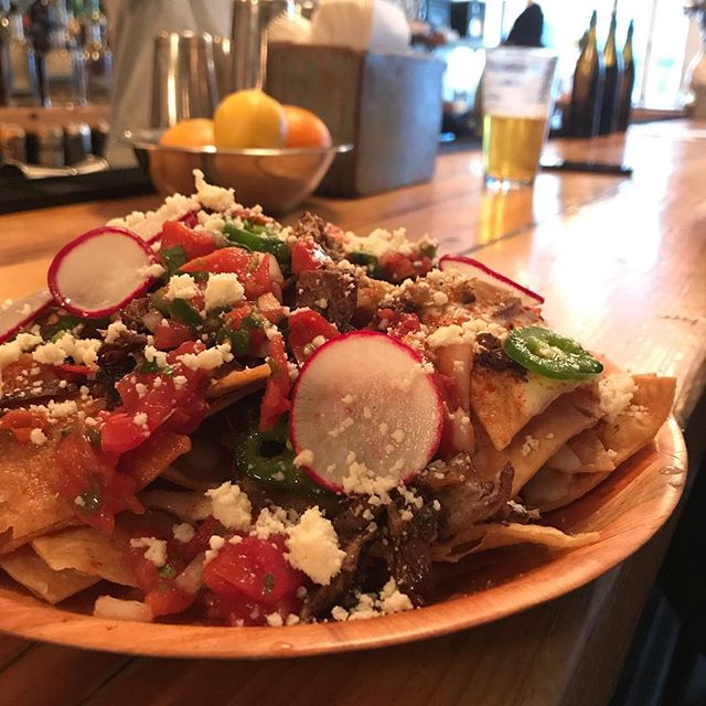 duck carnitas nachos 🏅NEW MENU ALERT 🚨 taste and be happy 😎🤙🍻 . . . #ducknachos #newmenualert #springfever #backyard #brews #babes #localsonly