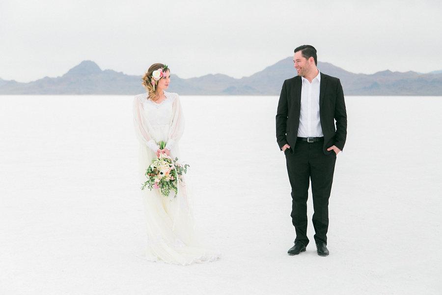 Surprise engagement photo shoot bonneville salt flats for Surprise engagement photo shoot