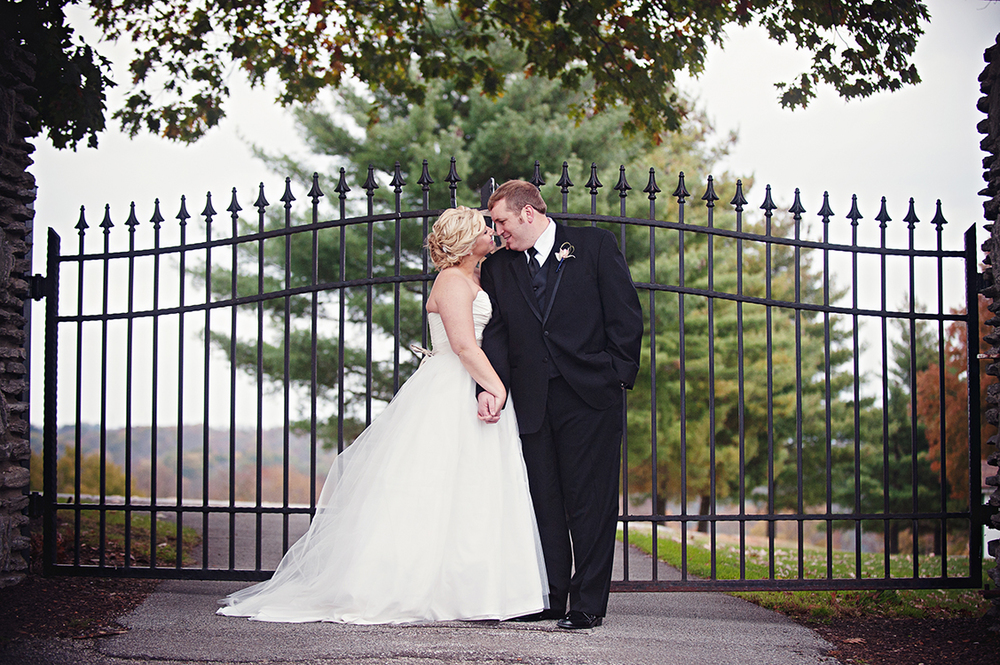 Image by  Leah Robbins Photography . Dearborn Country Club, Aurora, IN.