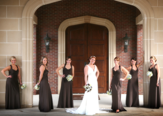 Sara and her bridesmaids at Warwick Hills