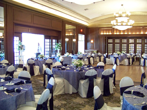 the ballroom at the Detroit Golf Club after the flowers were set
