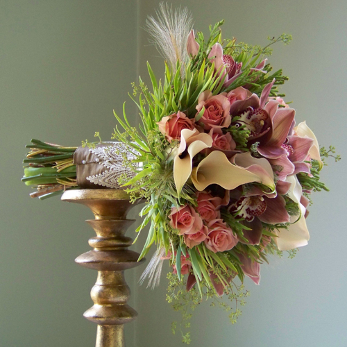 bouquet with antique gold stem wrap