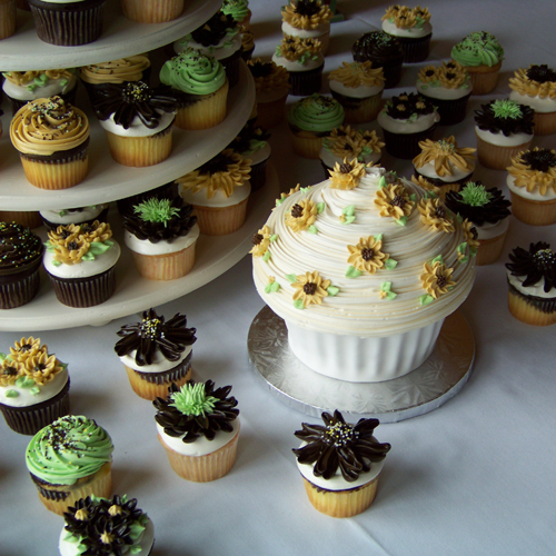 Cupcakes by the Sweet and Savory Bake Shop in Oxford, Michigan