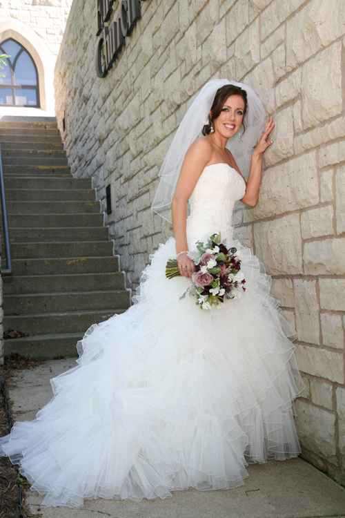 Laurie in her stunning wedding dress