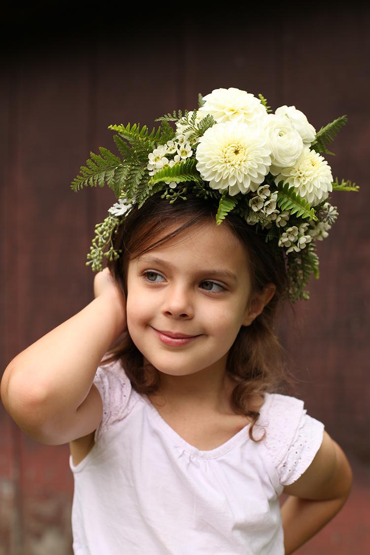 White dahlia and ranunculus flower crown by Cincinnati wedding florist Floral Verde.