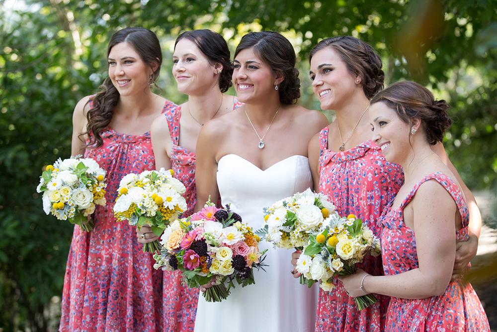 Wedding at the Inn at Oneonta, Melbourne, Kentucky. Flowers by Cincinnati wedding florist Floral Verde LLC. Photo by Ben Elsass Photography.