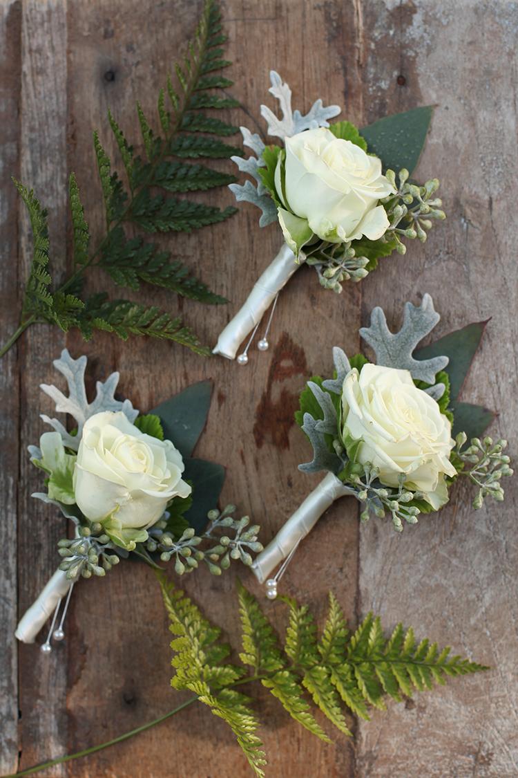 White rose boutonniere by Cincinnati wedding florist Floral Verde.