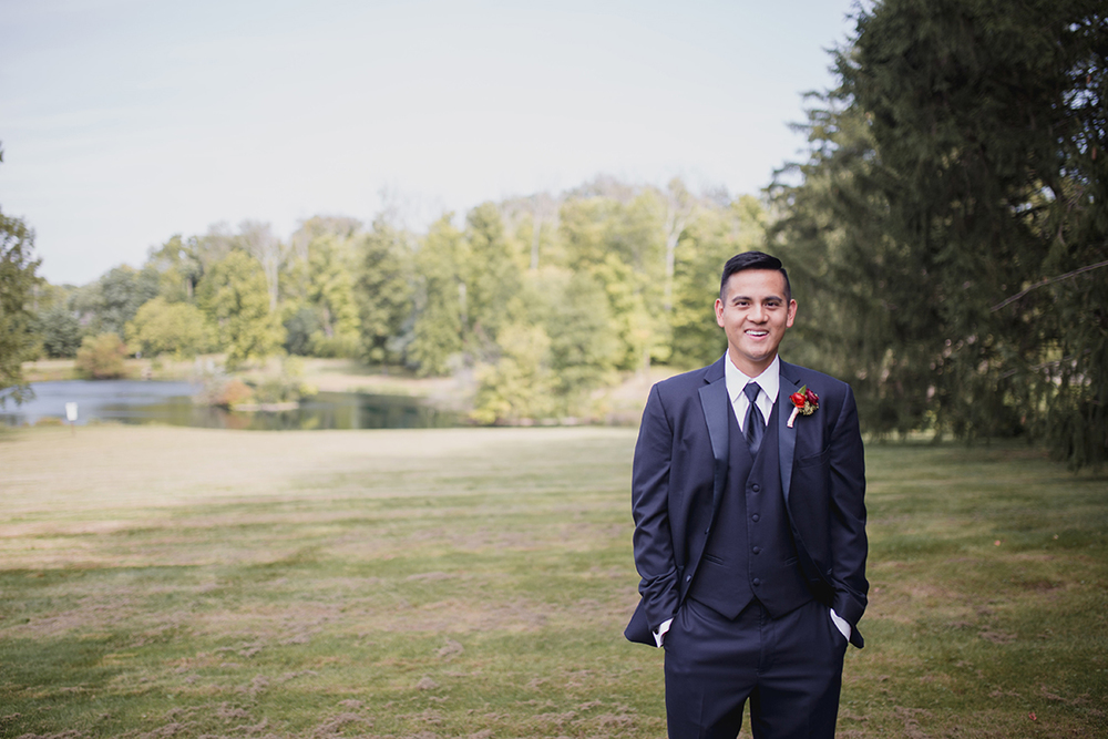 Groom at Pinecroft Mansion, Cincinnati, Ohio. Flowers by Floral Verde LLC. Photo by Carly Short Photography.