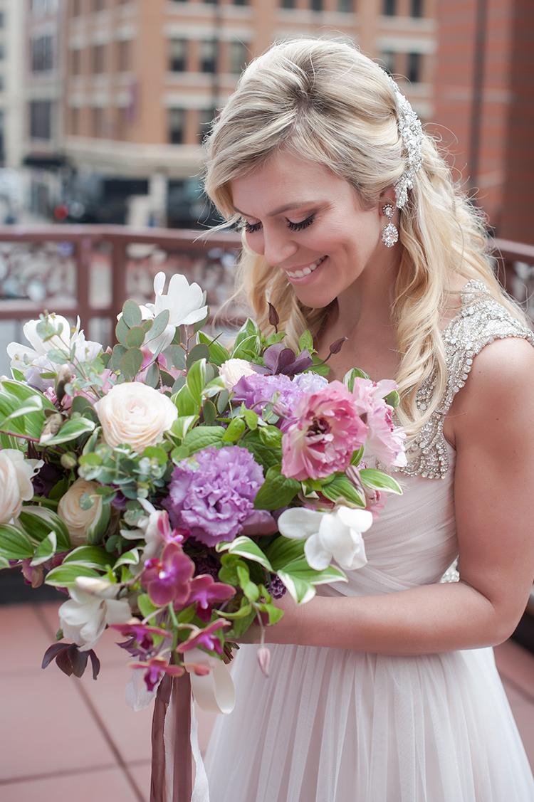 Wedding-at-the-backstage-event-center-Cincinnati-Ben-Elsass-Photography-Floral-Verde.37.jpg